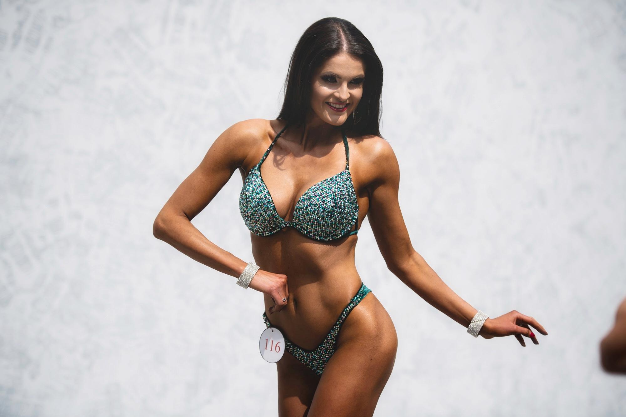 Soutěžní bikini Karnabel
