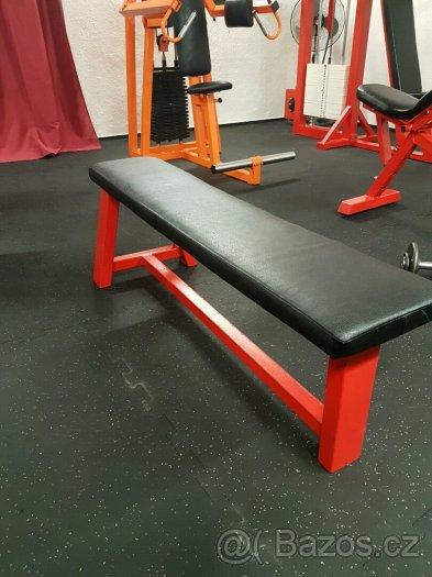 Rovná fitness lavice